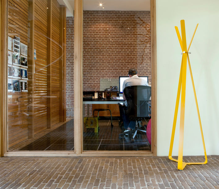 Bend Coat Stand 2