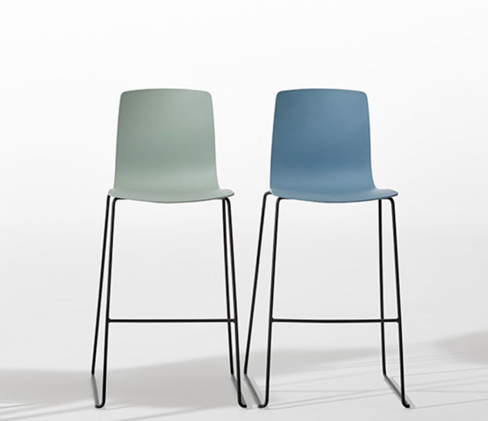 Aava Barstool by Arper