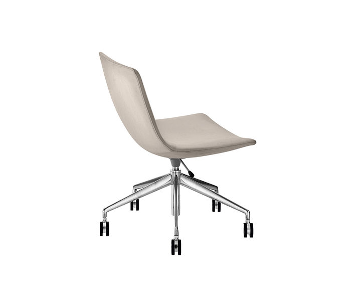 Arper   Catifa 60 Exective Castor Chair   Exclusively available from Stylecraft