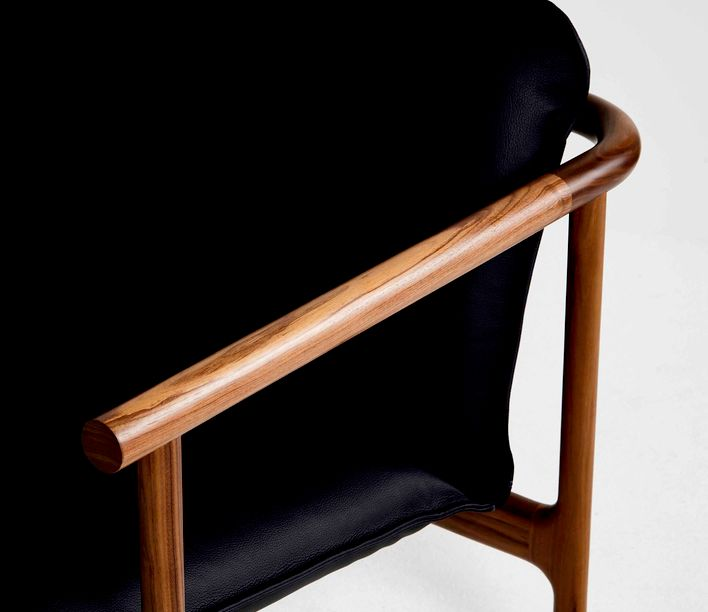hoshi_walnut-leather_detail_003.jpg